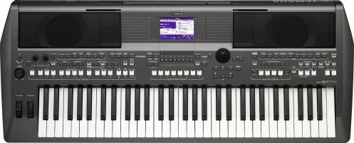 Yamaha PSR S670 Keyboard